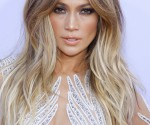 Jennifer lopez Balayage Hair color. long hairstyle long square angle bangs.